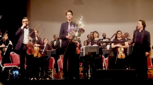 İki genç yetenek ve alkışlanacak Türk bestecileri