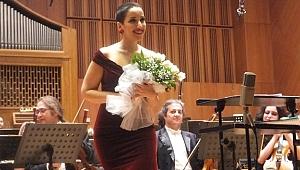 Rusya'da Büyük Ödül Soprano Görkem Ezgi Yıldırım'a