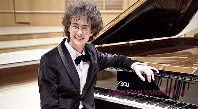 Eseri ve çalacağı piyanoyu nasıl seçti?