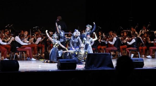 Mozart'ın Sihirli Dünyası'ndan dört temsil