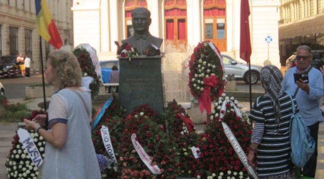 Bükreş'te bir 30 Ağustos ve Köy Müzesi