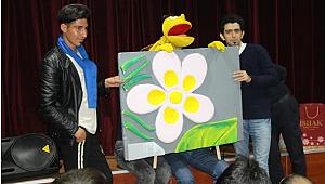 Mardin Cezaevi'nde gençlerle kukla tiyatrosu izlemek...