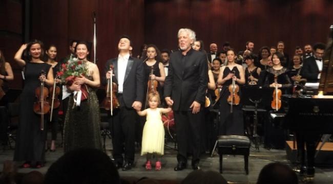 Aile boyu Ulucanlar'dan pırıltılı konser...
