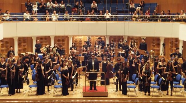 Damardan klasik bir 19 Mayıs konseri...