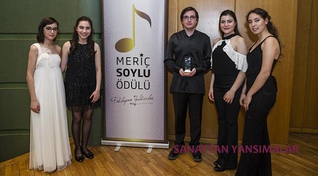 Meriç Soylu Ödülü kemancı Demirhan Gökbudak'ın