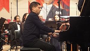 Piyanist-Teorisyen Türev Berki sahneye nasıl döndü?