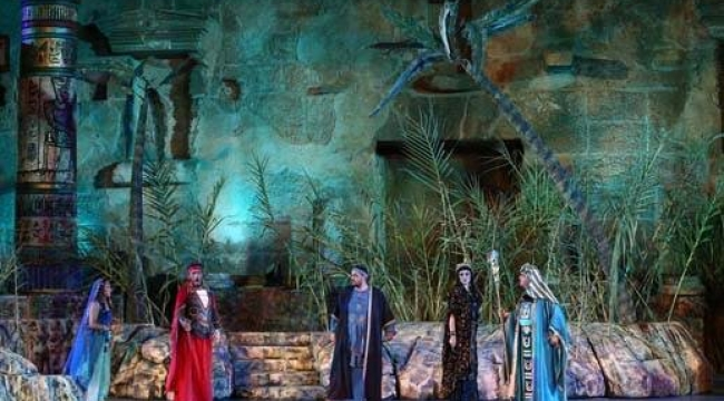 Mısır Hidivi İsmail Paşa'nin Dünyaya Armağanı Aida, Aspendos'da Coşturdu