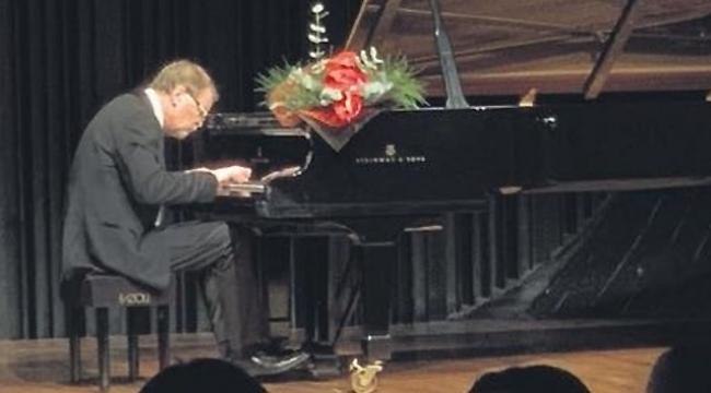 Rus Piyanist Demidenko Emirgan'dan Nasıl Geçti?
