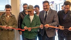 Şener Şen'in adı Anadolu Üniversitesi'ndeki yeni salonda...