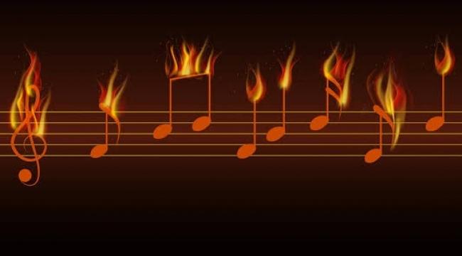 Emir Demiri Değil, Müziği de Kesiyor!