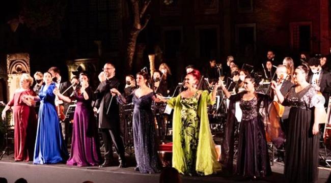 7 Soprano ve İstanbul Opera Festivali'nin Başlangıcı