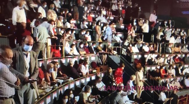 Madrid Operasında Seyirci Protestosu