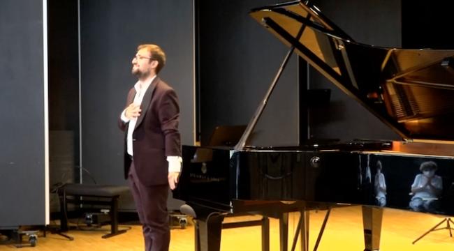 Talihsizlikleri Yenen Piyanist: Mertol Demirelli