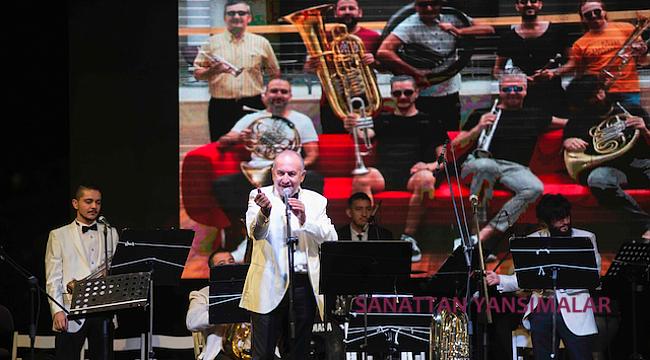Turkısh Jazz Band Gündoğdu Meydanını İnletti