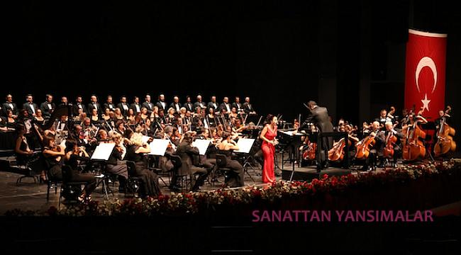 Antalya'da Muammer Sun ile Cumhuriyet Kutlaması