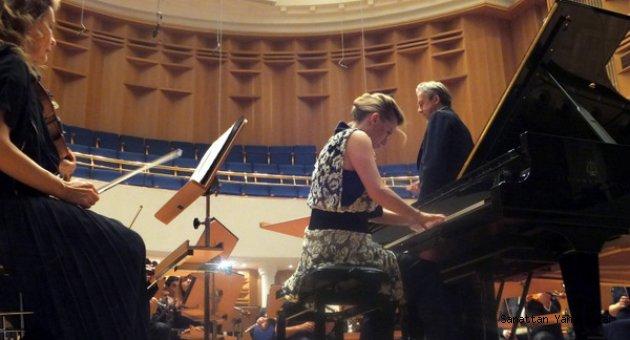 Sırp piyanist Vavic, Scriabin'le göz doldurdu...