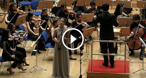İlayda Yılmaz Mozart Konçerto çalıyor